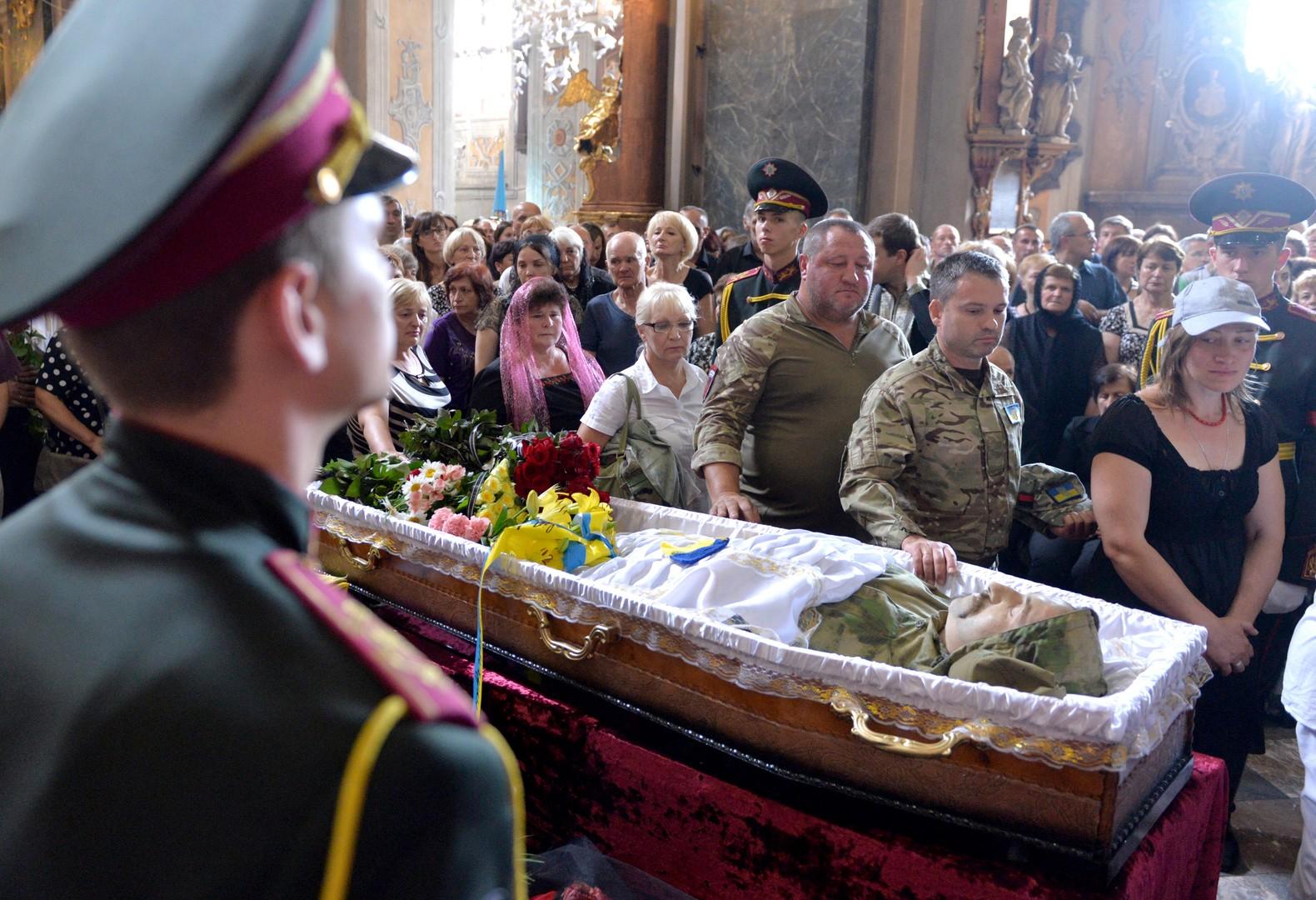 "Wladimir Selenskij huldigt Opernsänger und rechtsradikalen Kämpfer als Opfer ""russischer Aggression"""