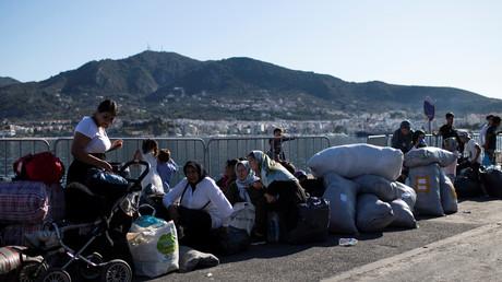 Migranten aus dem Flüchtlingslager Moria warten auf ihre Fähre, Lesbos, Griechenland, 30. September 2019.