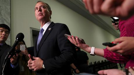 Der Kongressabgeordnete Adam Schiff von der Demokratischen Partei leitet auch den Geheimdienstausschuss im US-Kongress. Nun ist er auch offener Gegner des US-Präsidenten.