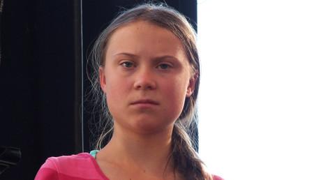 Laut einer repräsentativen Umfrage lehnt eine Mehrheit der Deutschen die Verleihung des Friedensnobelpreises an Greta Thunberg ab.