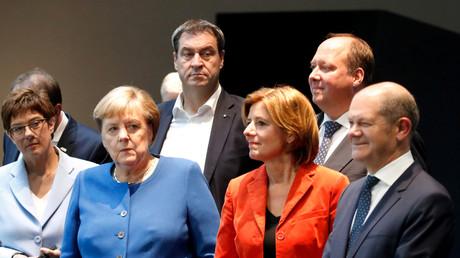 Annegret Kramp-Karrenbauer, Angela Merkel, Markus Söder, Malu Dreyer, Helge Braun und Olaf Scholz nach der Einigung auf den Klimaplan.