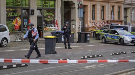 Der Döner-Imbiss in Halle wurde am Mittwochmittag zum Tatort.