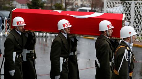 Symbolbild: Zeremonie für einen bei der Afrin-Offensive getöteten Soldaten, Istanbul, Türkei, 11. Februar 2018.
