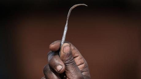 (Symbollbild). Ein selbstgemachtes Instrument im Dorf Alakas an der Grenze zu Kenia, Nordost-Uganda, 31. Januar 2018.