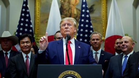 US-Präsident Donald Trump spricht während der Unterzeichnung des Handelsabkommens mit Japan im Weißen Haus am 7. Oktober 2019 über den Nahen Osten.