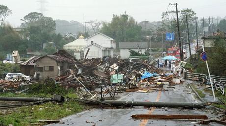 Japan im Auge eines heftigen Taifuns: Erste Schäden und Verletzte