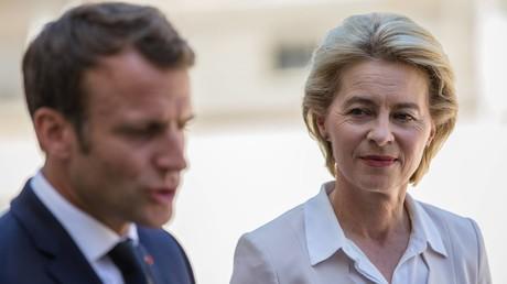 Es knirscht zwischen Paris und Brüssel: Emmanuel Macron fühlt sich von Ursula von der Leyen hintergangen.