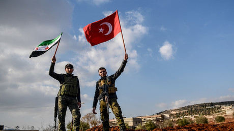 Von der Türkei unterstützte Kämpfer der FSA während der türkischen Operation