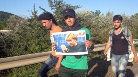 Ein Ziel vor den Augen: Syrische Flüchtlinge in Ungarn im September 2015