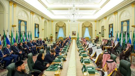 Treffen zwischen russischen und saudischen Staatschefs in Riad, Saudi-Arabien, am 14. Oktober 2019.