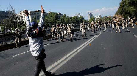 Soldaten patrouillieren auf den Straßen von Chiles Hauptstadt (Santiago, 20. Oktober 2019)