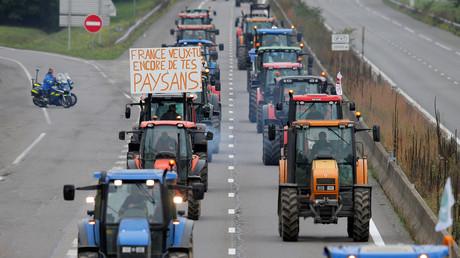 Französische Bauern demonstrieren mit ihren Traktoren, nahe Straßburg, Frankreich, 8. Oktober 2019.