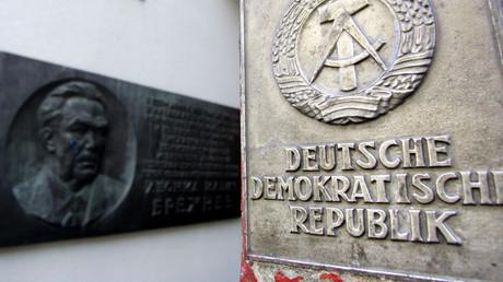 (Symbolbild). Der Eingang des Museums im Zentrum von Berlin, nahe dem Checkpoint Charlie am 8. Oktober 2004.