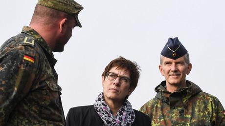 Verteidigungsministerin Annegret Kramp-Karrenbauer zu Besuch beim Landeskommando Thüringen am 23. Oktober.