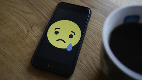 Bagatellisierte Gewalt: 21 Verdachtsfälle nach Razzia gegen kinderpornografische Dateien mit Emojis (Symbolbild)