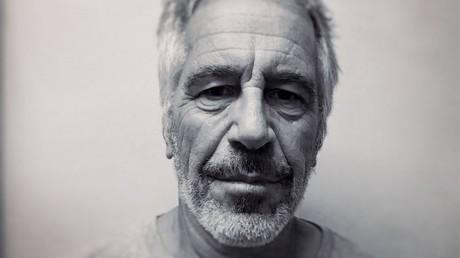 Jeffrey Epstein auf einem Foto für das Sexualstraftäterregister der New York State Division of Criminal Justice Services vom 28. März 2017.