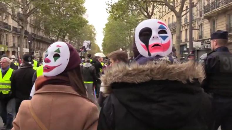 Frankreich: Gelbwesten zeigen sich kurz vor Jahrestag ungebrochen