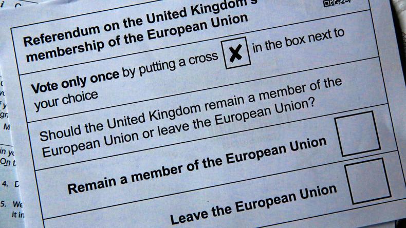 """Britische Regierung hält Bericht über """"russische Einmischung"""" beim Brexit zurück (Video)"""