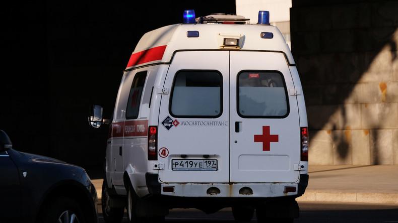 Russland: Mädchen überlebt zwei Autounfälle hintereinander – Eltern tot