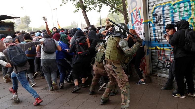 Chiles Präsident tritt nicht zurück: Zehntausende gehen wieder auf die Straße (Video)