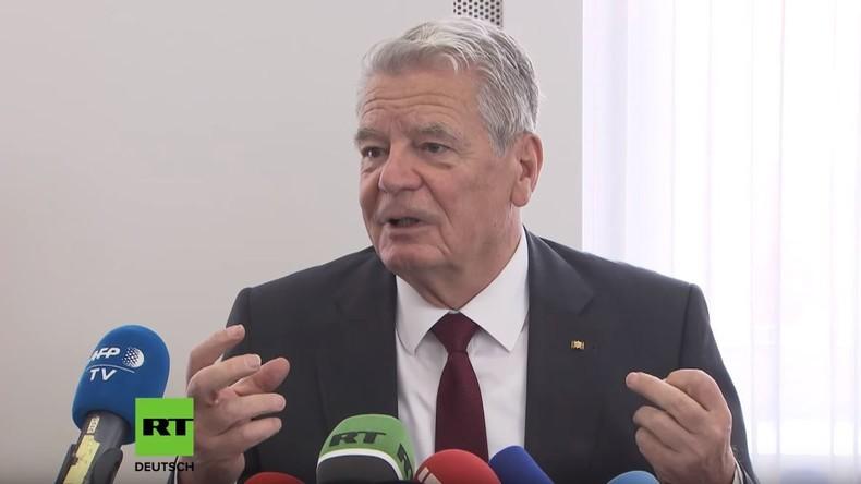 """Bundespräsident a. D. Joachim Gauck zu Wende und Mauerfall: """"Ich war nie ein angepasster Typ!"""""""