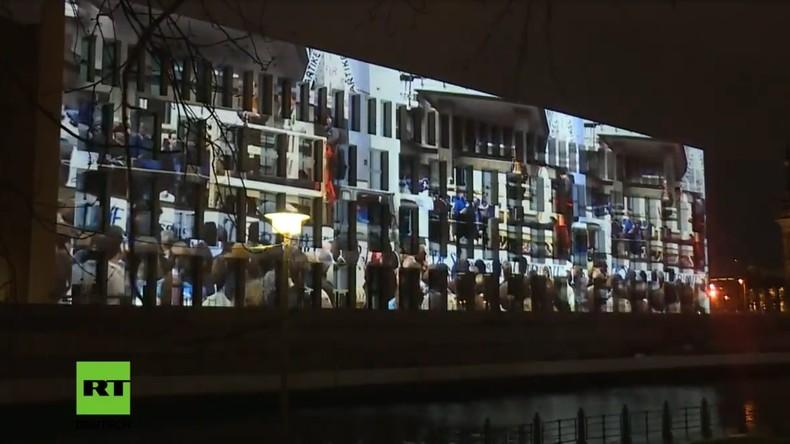 """LIVE: 30 Jahre Mauerfall - Lichtprojektion """"Palast der Republik"""""""