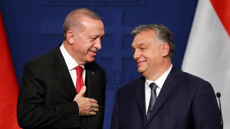 Erdoğan droht erneut mit Öffnung der Tore für Millionen Flüchtlinge (Video)