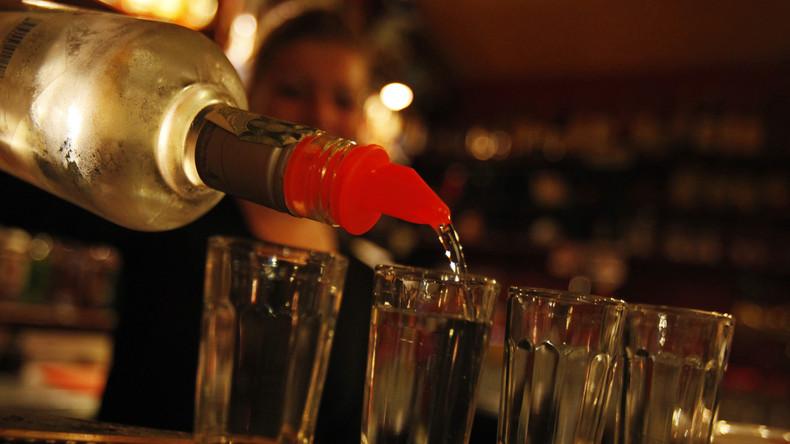 Kristallklar, modern, grün: US-Unternehmen produziert Öko-Wodka aus Kohlenstoffdioxid