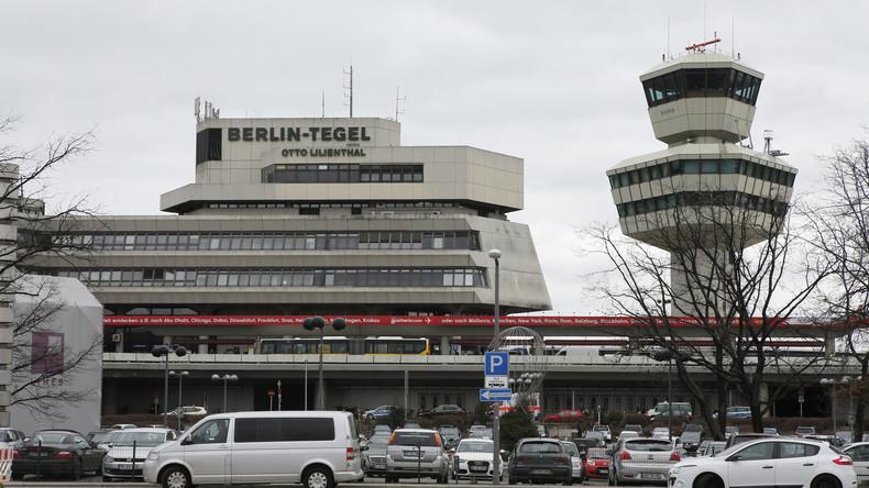 LIVE: Klimaaktivisten besetzen den Flughafen Tegel in Berlin