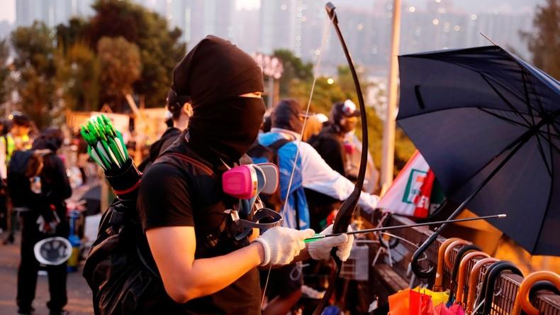 Hongkong: Mob prügelt Reinigungsarbeiter hirntot