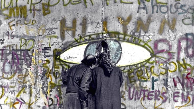"""""""Teilung ist größte Gefahr für Freiheit"""": Original-Mauer-Graffiti inspirieren neuen Schriftsatz"""