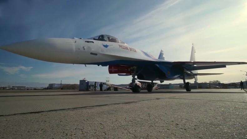 Das russische Kunstflugteam erhält neue Su-35S-Jäger