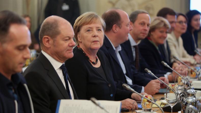 Neue Umfrage: Vertrauen der Deutschen in Staat und Regierung schwindet rapide