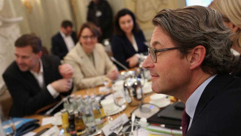 """Bundestagsabgeordnete stellen Strafanzeige gegen """"Maut-Amigo"""" Scheuer"""