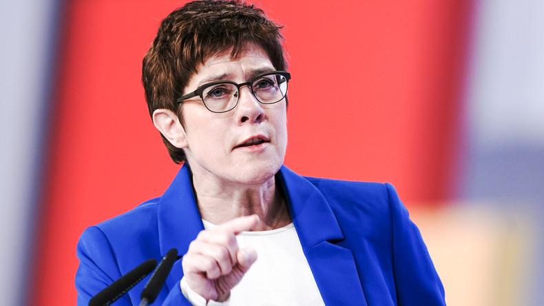 CDU-Parteitag: Annegret Kramp-Karrenbauer stellt die Machtfrage – Friedrich Merz beteuert Loyalität