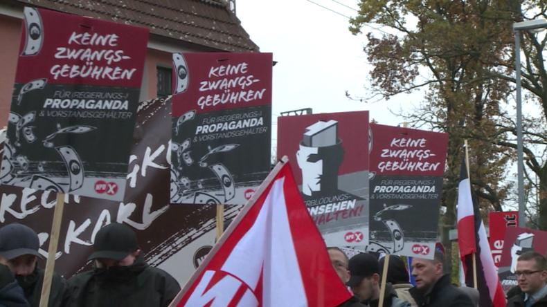 Hannover: 7.000 Menschen protestieren gegen Anti-GEZ-Kundgebung der NPD und für Pressefreiheit