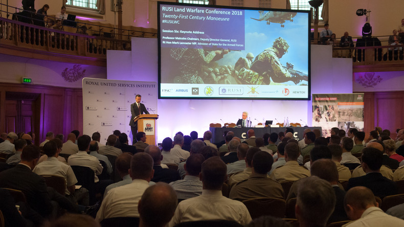 Britische Denkfabrik fordert Kurse für Journalisten über NATO-freundliche Berichterstattung