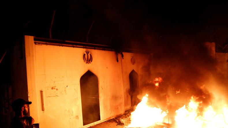 Proteste im Irak: Demonstranten zünden iranisches Konsulat an