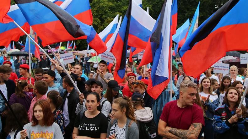 Hat Russland den Donbass okkupiert? Was die Donezker dazu sagen (Video)