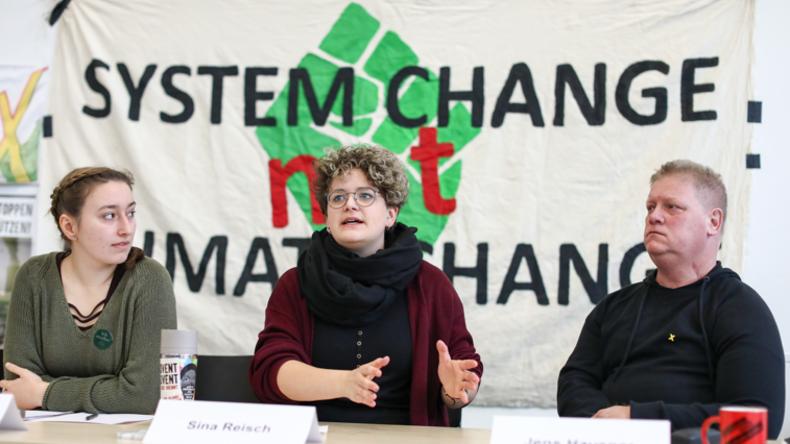 """Aufgeheizte Stimmung: Kohlekumpel protestieren gegen """"Ende Gelände"""""""