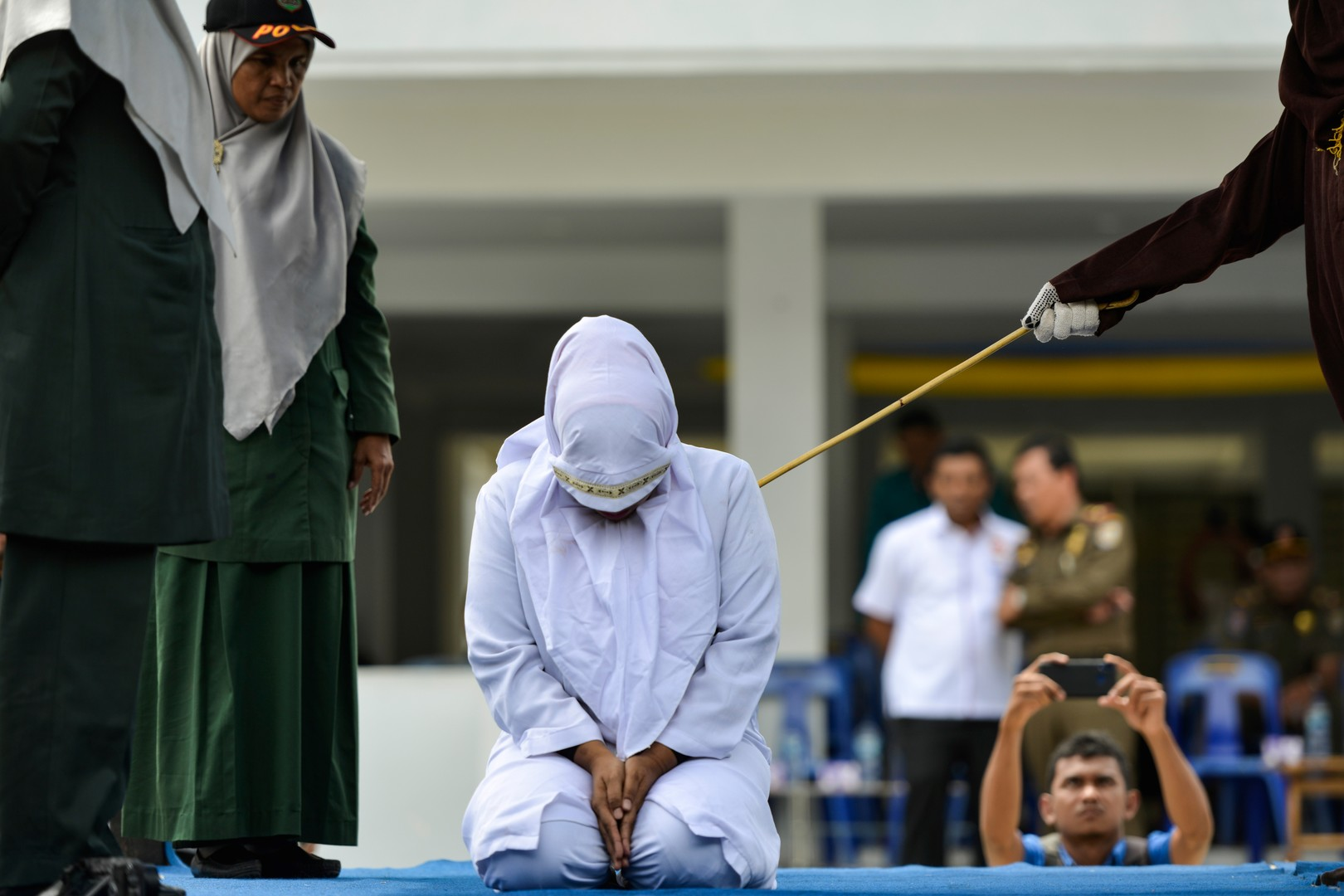 Dura Scharia, sed Scharia: Religionsgelehrter erhält 28 Stockhiebe gemäß eigener Gesetzesvorlagen