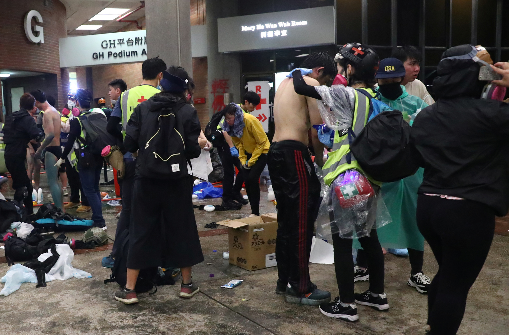 Hongkong-Proteste: Hunderte Demonstranten verbarrikadieren sich in Universität