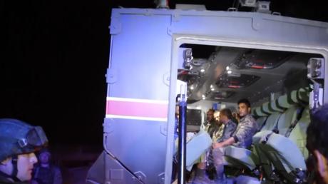 """Syrien: Moskau befreit Soldaten – Türkei übergibt 18 syrische Soldaten aus """"Rebellenhand"""""""