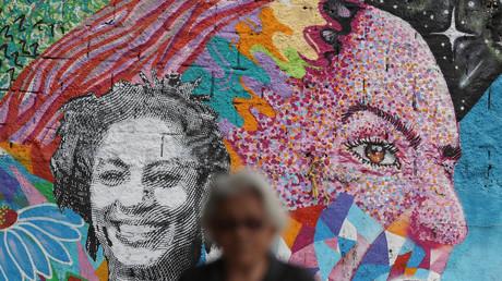 Ein Bildnis der ermordeten Stadträtin auf einer Wand in Rio de Janeiro