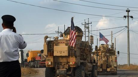 US-Truppen im kurdisch kontrollierten Teil des Irak. US-Einheiten sollen Ölfelder im Nordosten Syriens beschützen.