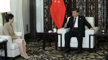 Hongkongs Regierungschefin Carrie Lam und der chinesische Staats- und Parteichef Xi Jinping, Shanghai, China, 4. November 2019.