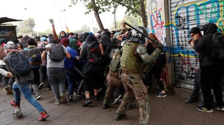 Auch am Montag kam es in Chile zu gewalttätigen Auseinandersetzungen zwischen Demonstranten und der Polizei (Santigao, 4. November 2019).