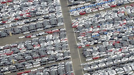 Automobile für den Export, Bremerhaven, Deutschland, 8. Oktober 2012.