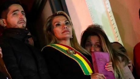 Die selbsternannte Übergangspräsidentin Jeanine Áñez auf dem Balkon des Präsidentenpalastes in La Paz