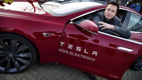Der amerikanische Hersteller Tesla, gegründet 2003, wurde zum Taktgeber bei der Elektromobilität. Elon Musk stieg früh als Investor ein und übernahm später die Führung.